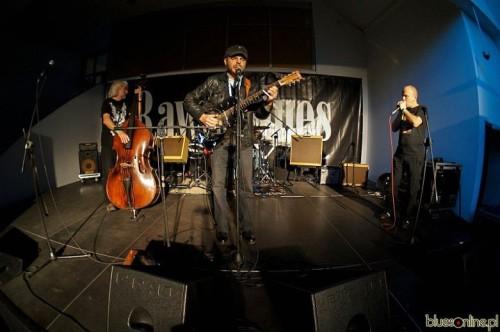 a.zawilinski-na_drodze-rawa_blues_bluesonline.pl